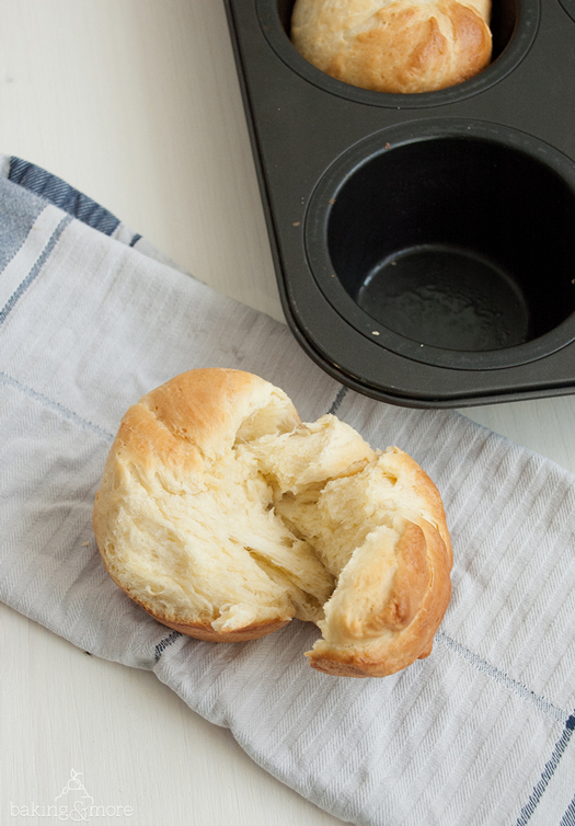 brioche, pastry, bread, brot, brötchen, breakfast, frühstück, cake, kuchen, lecker, delicious, backen, baking, teig, dough, hefe, yeast