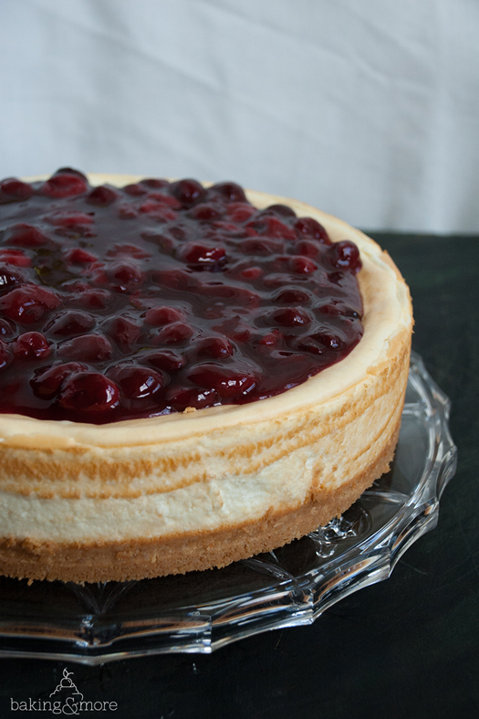 Kaesekuchen mit Vanille-Kirschen, Cheesecake with Vanilla Cherries