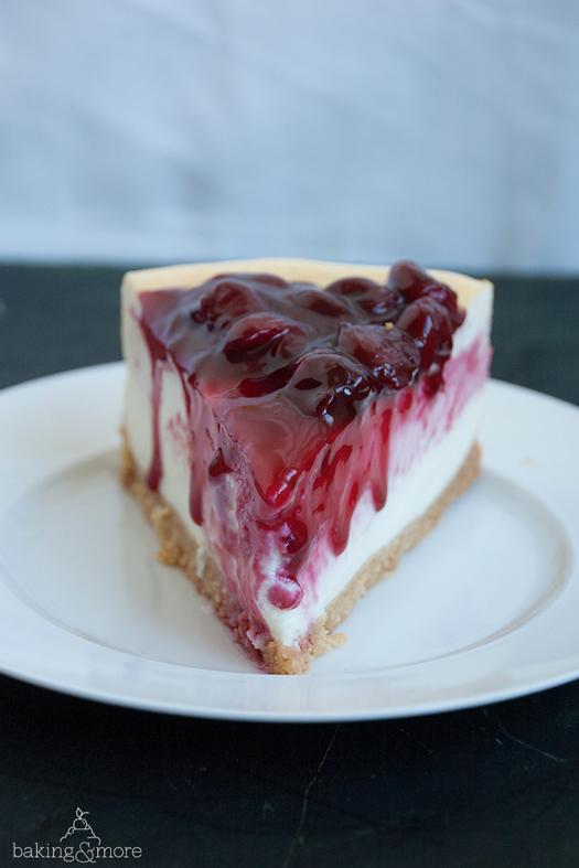 Kaesekuchen mit Vanille-Kirschen, Cheesecake with Vanilla Cherries