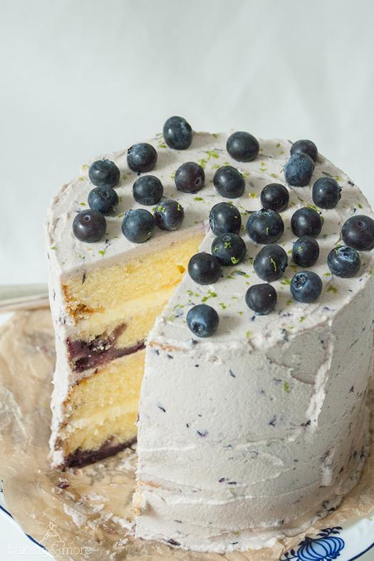Blaubeer-Törtchen mit Cheesecake-Füllung und Blaubeer-Limetten-Buttercreme