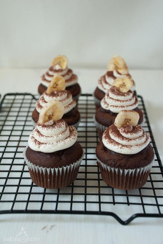 Schoko-Bananen-Cupcakes mit vanilliger Swiss Meringue Buttercreme