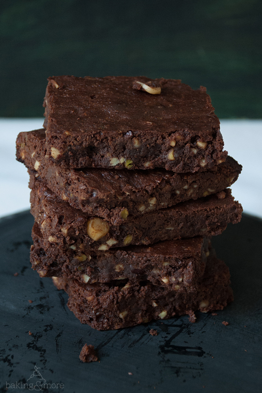 Brownies mit Nuss-Dreierlei - Brownies with 3 kinds of nuts
