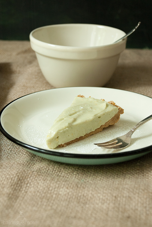 No-Bake Avocado-Cheesecake