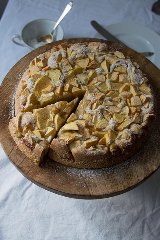 Apfelkuchen - Apple Cake