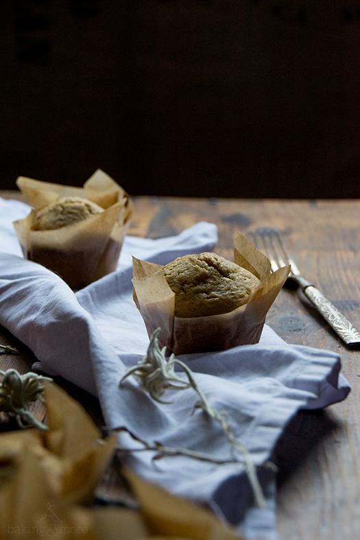 Muffins mit brauner Butter und Schokoladenstückchen - Brown Butter Chocolate Chip Muffins