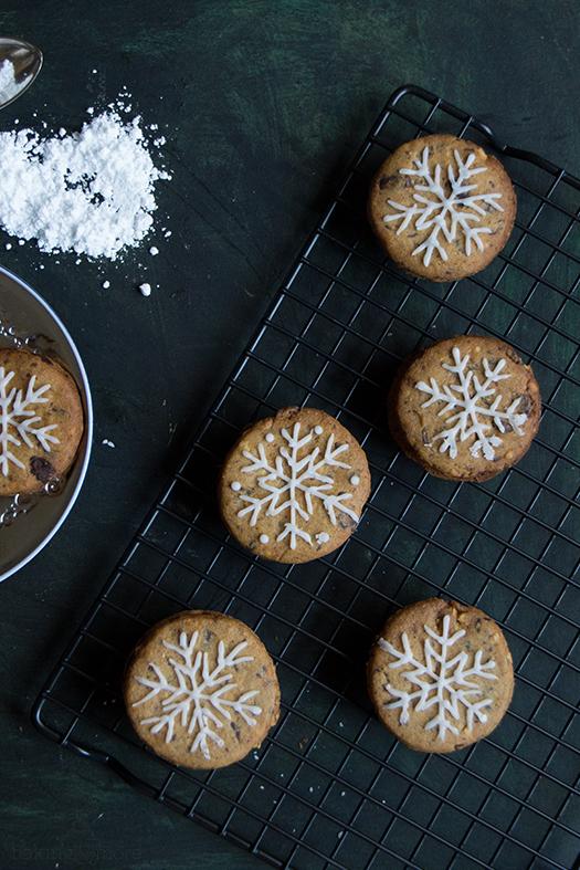 Erdnusskekse mit Schoko-Karamell-Füllung - Peanut Cookies with Chocolate Caramel Filling
